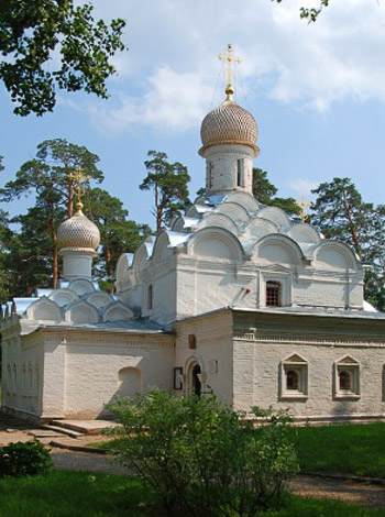 Церковь Михаила Архангела - усадьба Архангельское - XVII в.